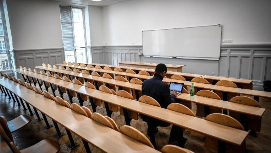 Les étudiants extra-européens devront payer plus cher — Universités